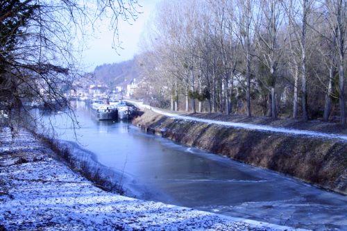 canal derniers m 11 janv 004.jpg