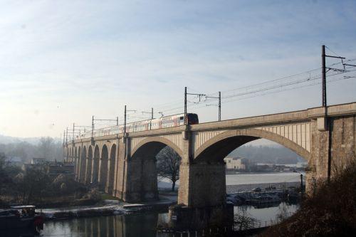 pont loing 11 janv 018.jpg