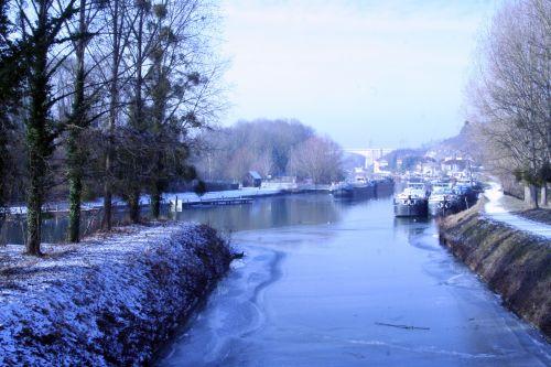 canal-loing 11 janv 005.jpg